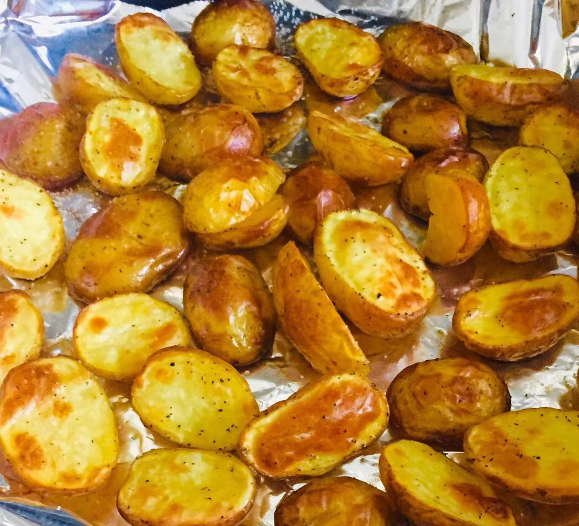 Toasted Mini Potato ( Cut half)