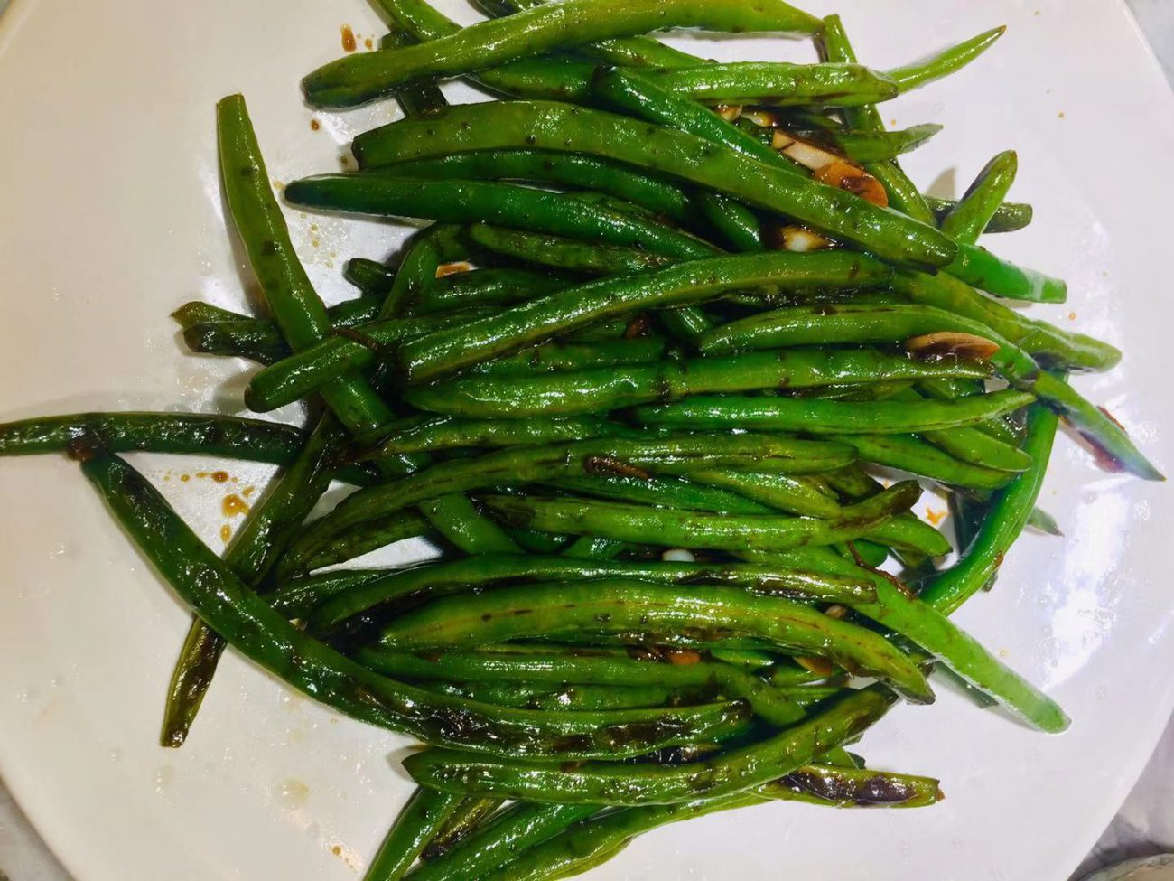 AirGO Air fried green beans with sauce and garlic