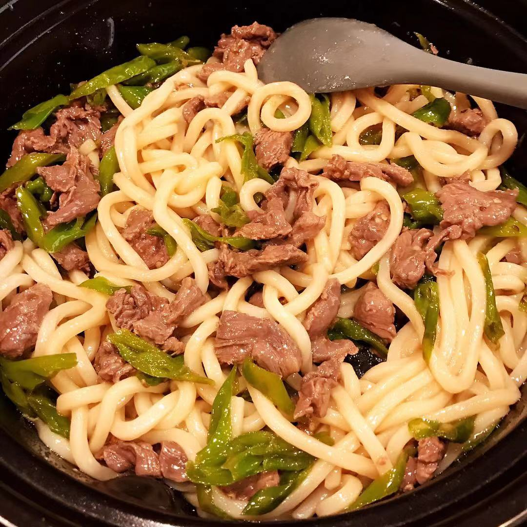 Stir Fried Udon Noodle with Beef and Pepper