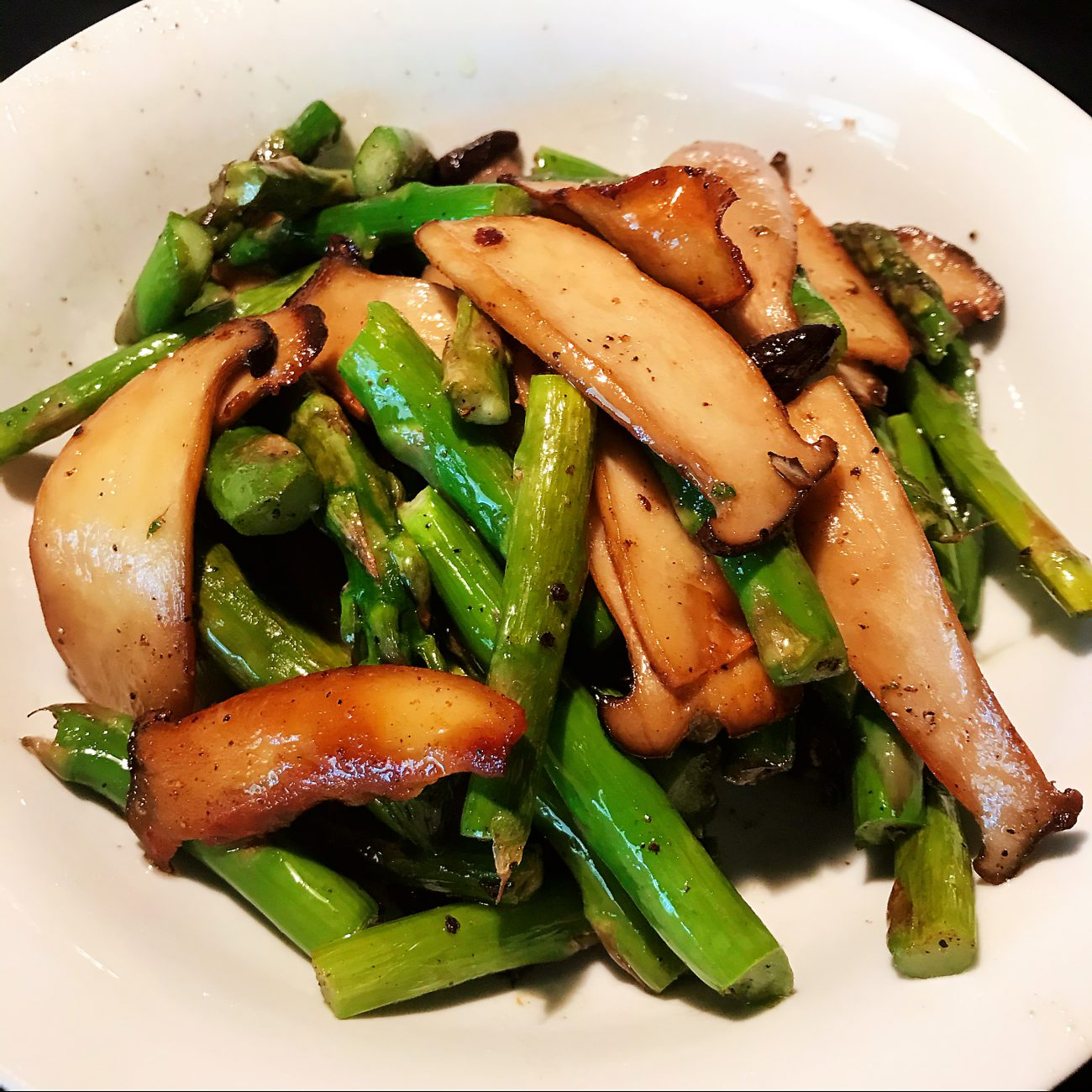 Grilled Asparagus and King Oyster Mushrooms