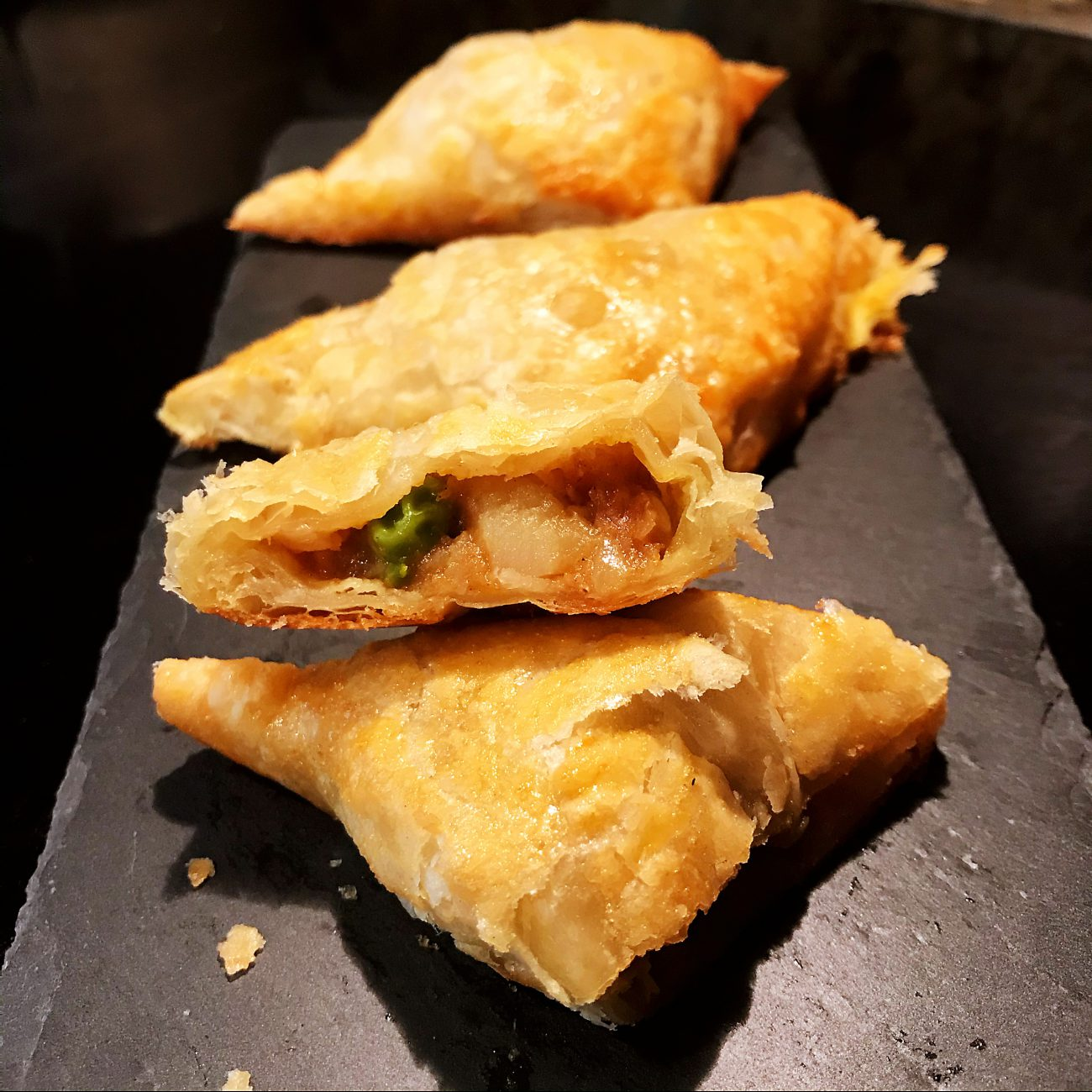 Samosa, Curry puffs (Vegetarian)